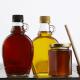 Med, javorový sirup nebo agávový sirup - ilustrační foto
