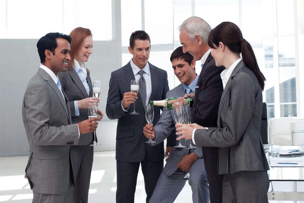 Jak Se Nechovat Na Podnikovém Večírku – 8 Rad Pro Muže