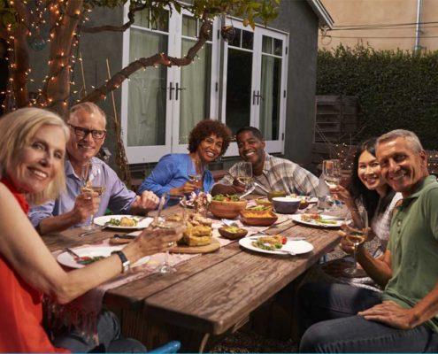 Uspořádání zahradní párty - ilustační foto